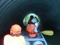 a šup do tunela